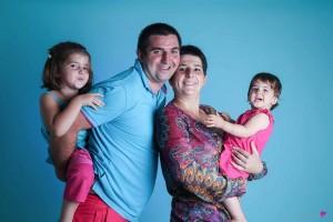 23-photographe-studio-portrait-emotion-famille-couleur