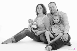 29-photographe-studio-portrait-emotion-famille-grenadeadour