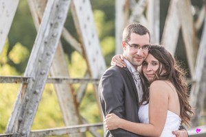 28-photographe-mariage-couple-emotion-pont