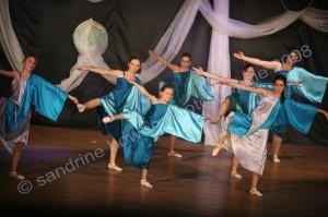 photographe-reportage-danse-salle-arabesque-animation-landes-aire-sur-adour-decor-scene